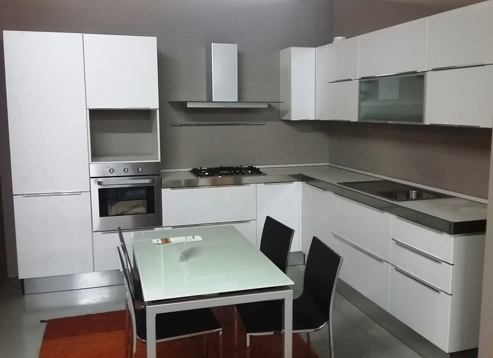 Cucine Moderne Bianche E Rosse